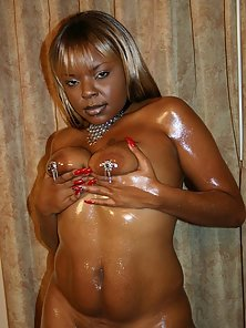 Oiled Ebony Babe Got Her Asshole Railed by Stiff Dong