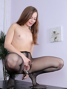Black Pantyhose Wearing Babe Sasha Cut by Scissors and Toying Pink Pussy