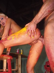 Silvia Saint gets a hardcore body painting