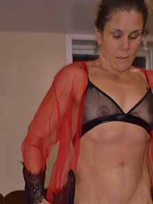 Sexy Milf showing my body