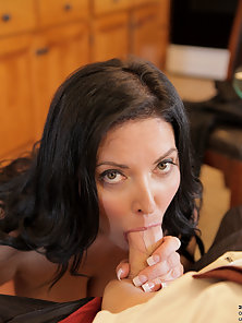 Tattooed Brunette Whore Nailed Hard by Her Man after Licking