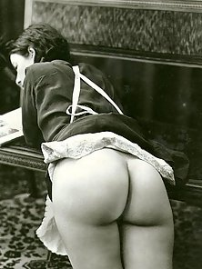 Several ladies showing their big juicy vintage ass on cam