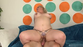 Mature Couple after Oral Sex Enjoy Deep Slamming