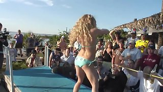 Stunning whores in front of voyeurs dancing nakedly for fun