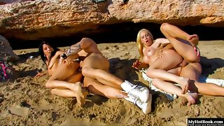 Yesenia Rock and Angelica Castro banged hard on the beach