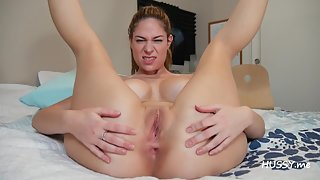 Bubble Ass Babe Masturbating Herself in Bedroom